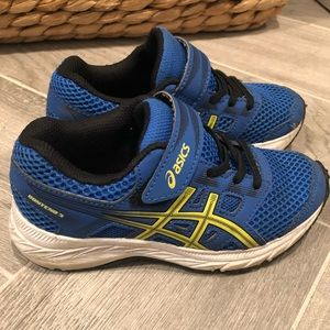 Toddler Boys ASICS in great shape!